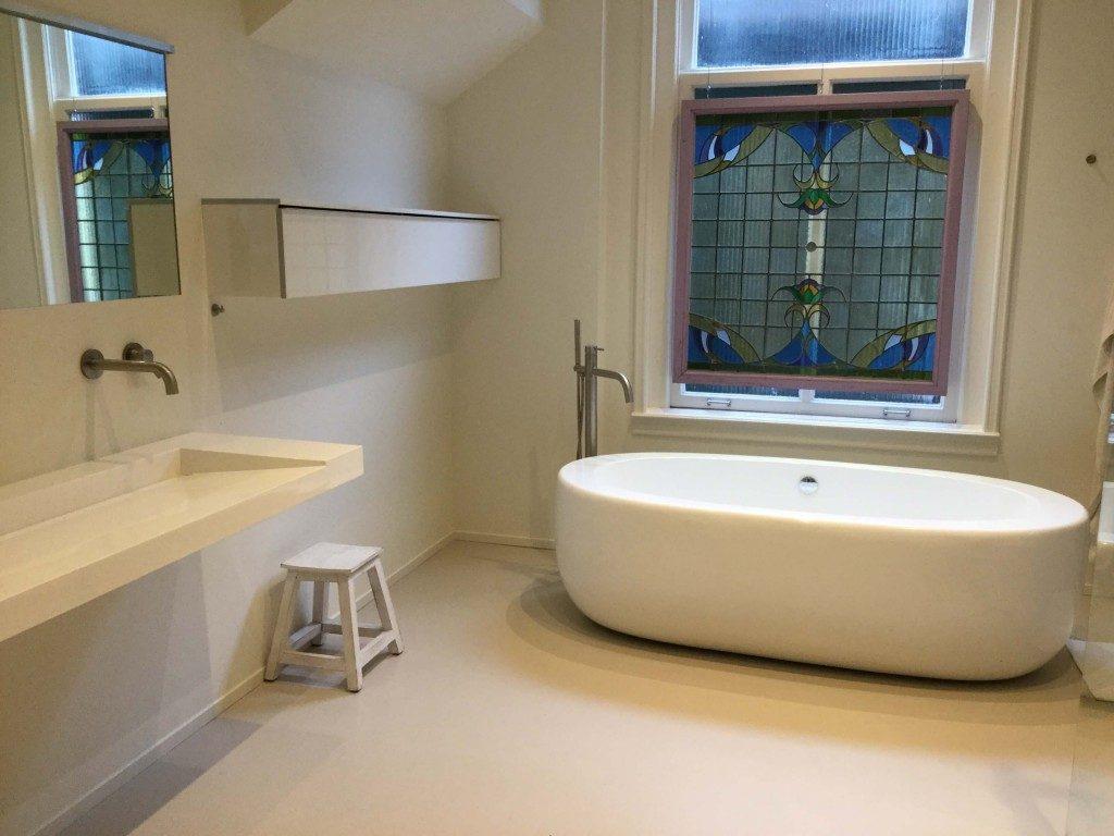 Badkamer Met Gietvloer : Een gietvloer in de badkamer gietvloer gorinchem